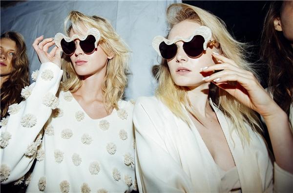 các kiểu kính mát nữ đẹp